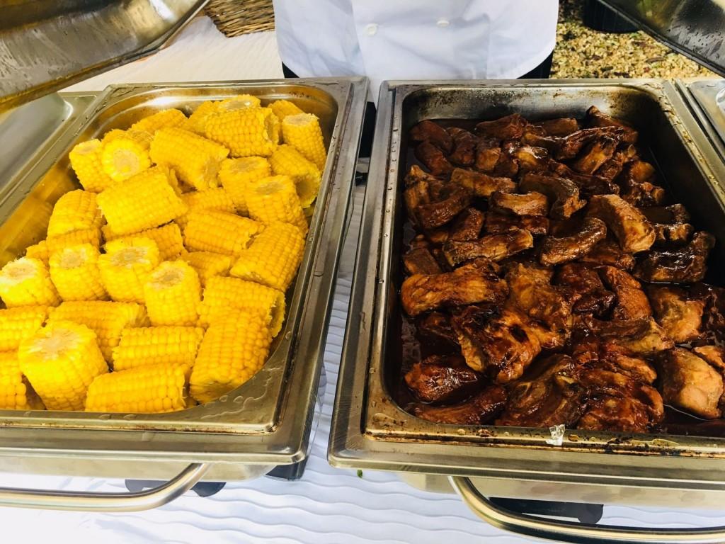Corn on the Cob & Ribs